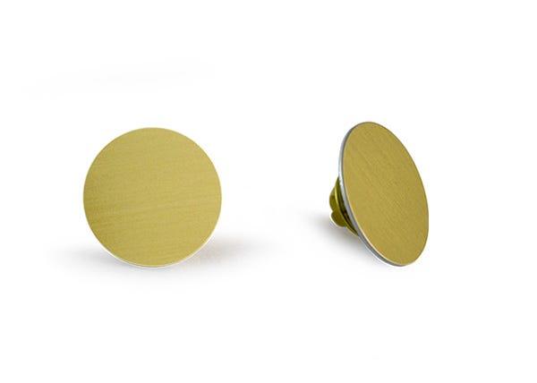 Raw round Gold lapel pin